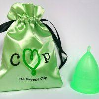De Groen cup, met zijden opbergzakje
